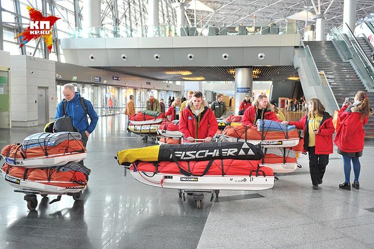 Внушительный багаж участников экспедиции.