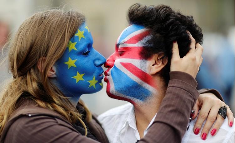Все в Британии вроде бы знали, что противники ЕС и сторонники в своих предпочтениях разделились почти поровну