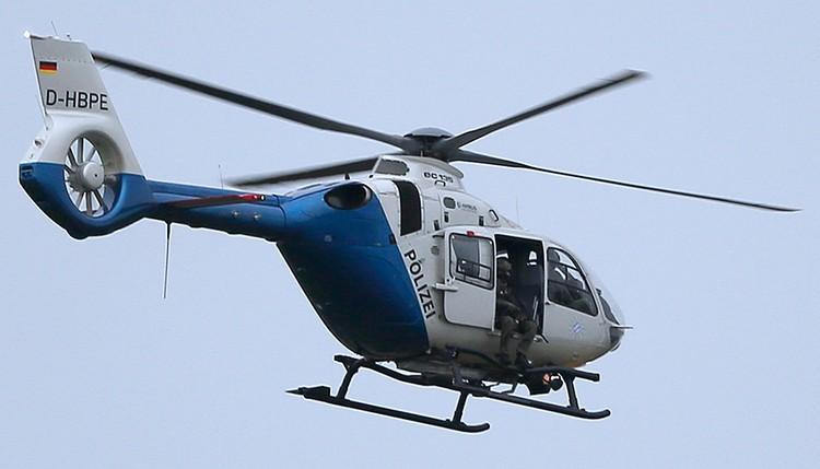 В небе над городом дежурят полицейские вертолеты