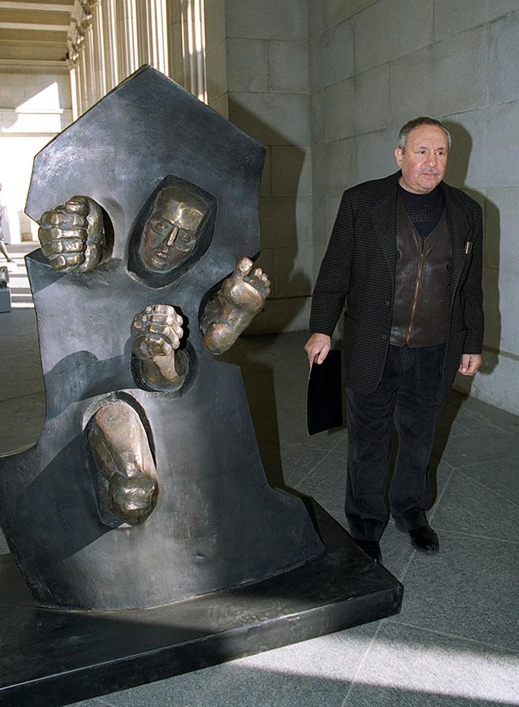 Его искусство просто пугало чиновников до смерти. Фото Виктора Великжанина /ТАСС