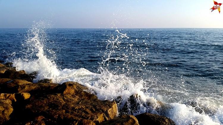 Море в Италии очень чистое.