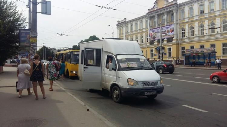 В первую очередь сократить собираются дублирующиеся между собой троллейбусные и автобусные маршруты.