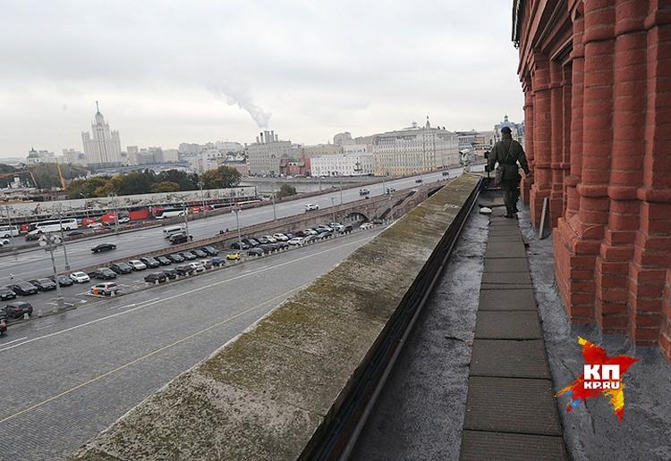 Вид на столицу с кремлевской стены.
