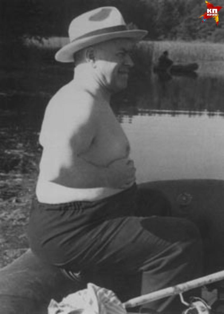 Георгия Жукова на Урале знали не только, как великолепного полководца, но и как отличного охотника и заядлого рыбака. Фото из Госархива Свердловской области
