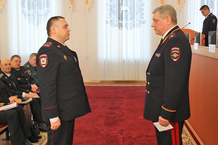 В 2013 году Дмитрий Вашуркин, тогда начальник полиции города Чапаевска, был награжден медалью «За боевое содружество».