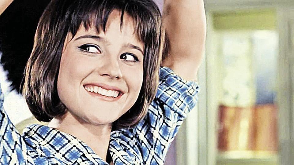 Полностью Голая Ксения Качалина На Кровати – Нелюбовь (1991)
