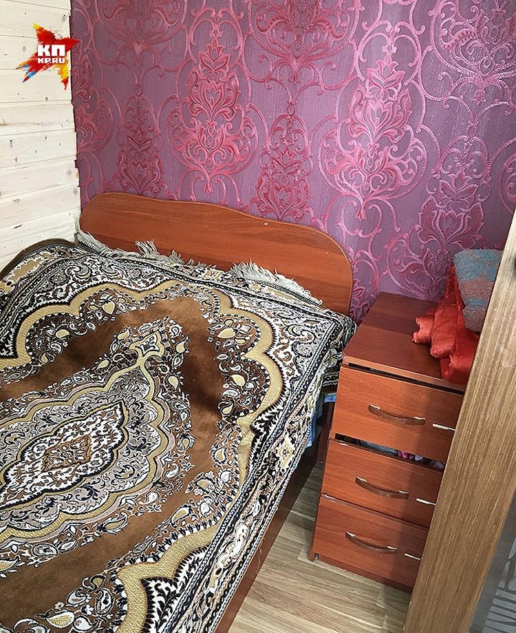 Кровать, на которой изнасиловали Шурыгину.