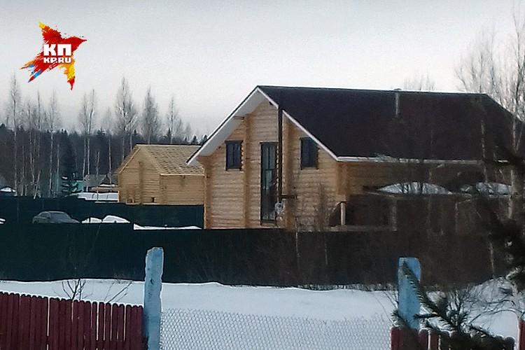 Дом в смоленской деревне Новодугино. Тихонков утверждает, якобы Кирюша сейчас там.