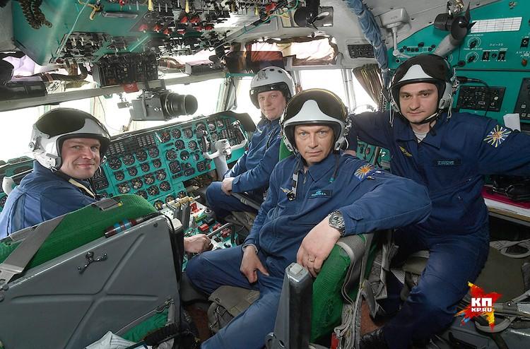 Экипаж Ил-78 на рабочем месте.