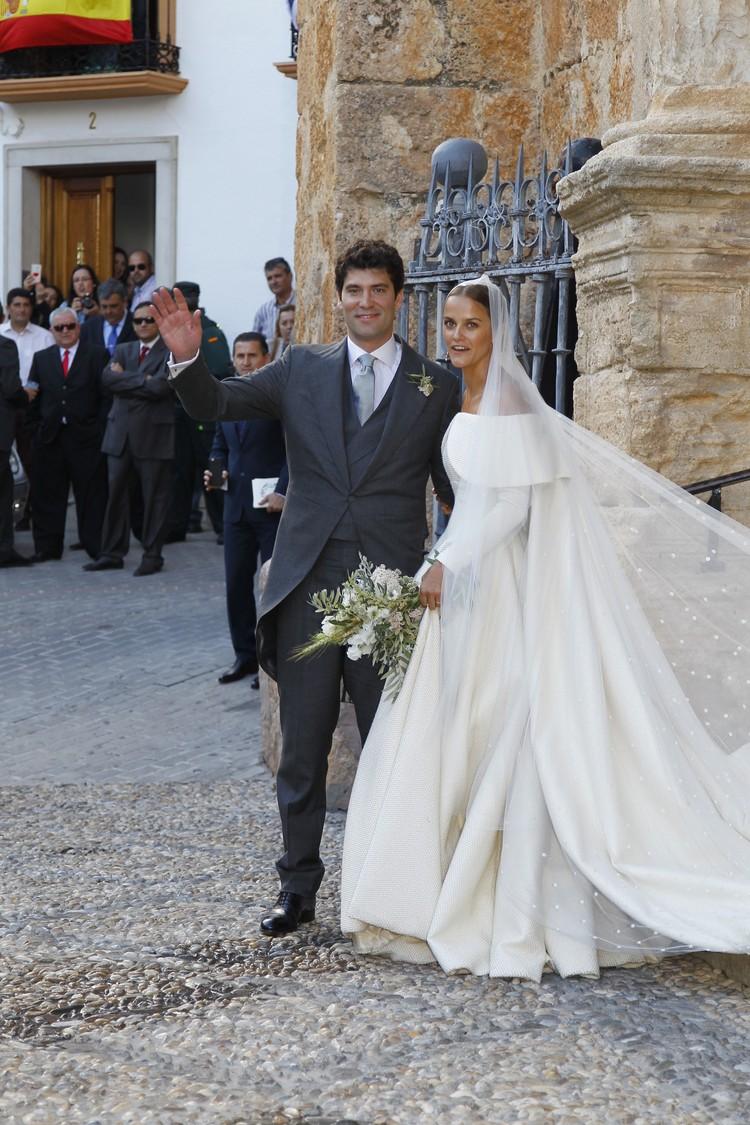 На втором месте в рейтинге самых богатых молодых британцев стоит Шарлотта Уэллесли, дочь герцога Веллингтонского. Брак с 40-летним владельцем пивного бренда «Бавария» увеличил ее богатство до 3,8 млрд. британских фунтов.