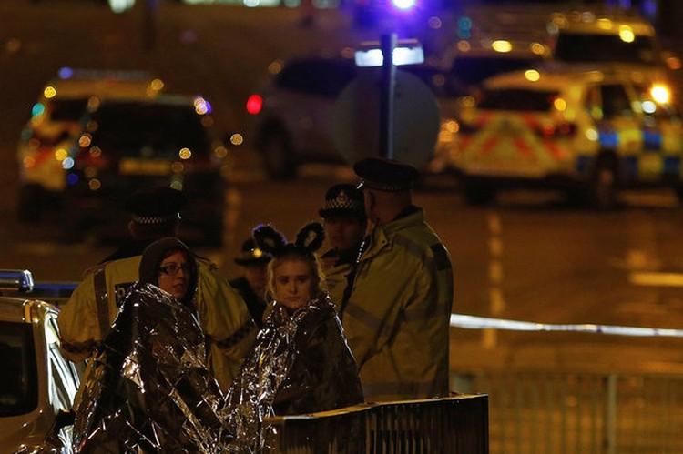 19 – это число жертв и, увы, средний возраст тех, кто был на концерте во время взрыва