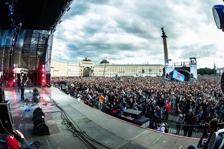 Песни Виктора Цоя зазвучат на Дворцовой. Фото: Дмитрий Строц