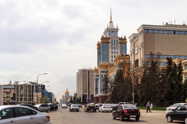 Саранск. На ходу велосипедисты умудрялись фотографировать города. Фото: Михаил ЕРМАКОВ.