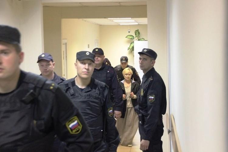 Директор лагеря Елена Решетова по-прежнему отрицает свою вину.