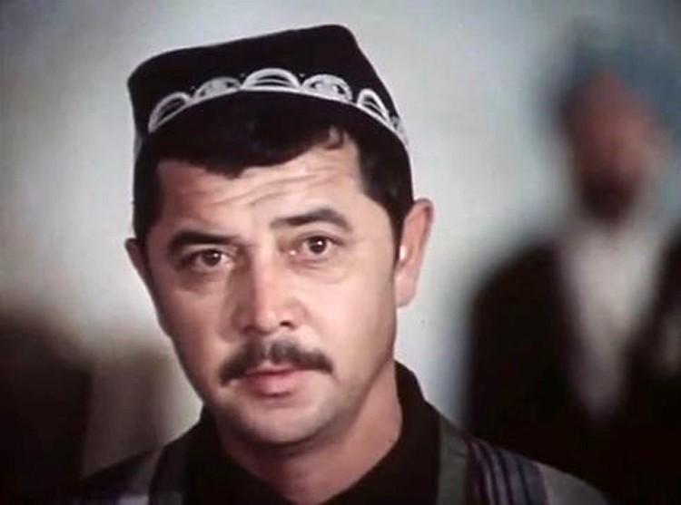 Говорили, что второго сына Наталья родила в 1985 году от женатого актера из Узбекистана Ульмаса Алиходжаева