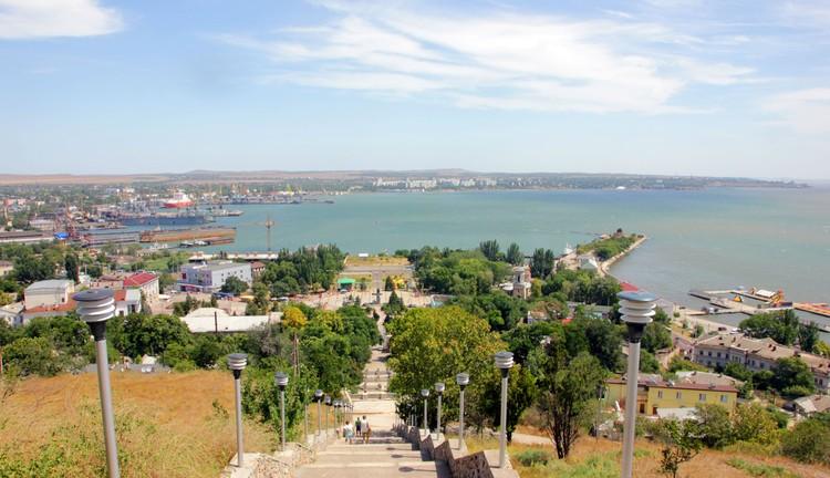 Керчь также оказалась столицей первого на территории страны государства.