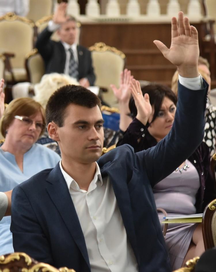 Сергей Диканский, заместитель председателя Российского военно-исторического общества в Новосибирской области, стал членом новой комиссии.