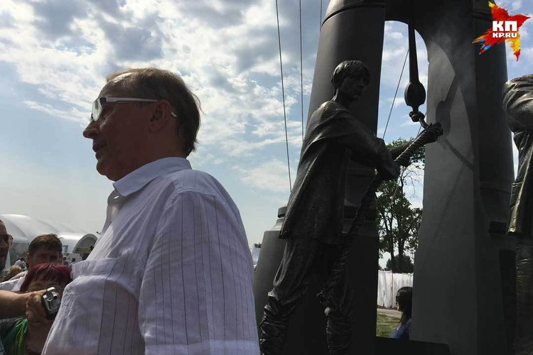 Николай Бурляев на открытии памятника Андрею Тарковскому