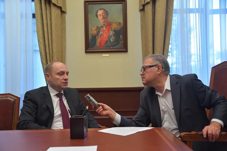 Законом напрямую определено, что получить дальневосточный гектар теперь возможно через МФЦ, - говорит Александр Галушка