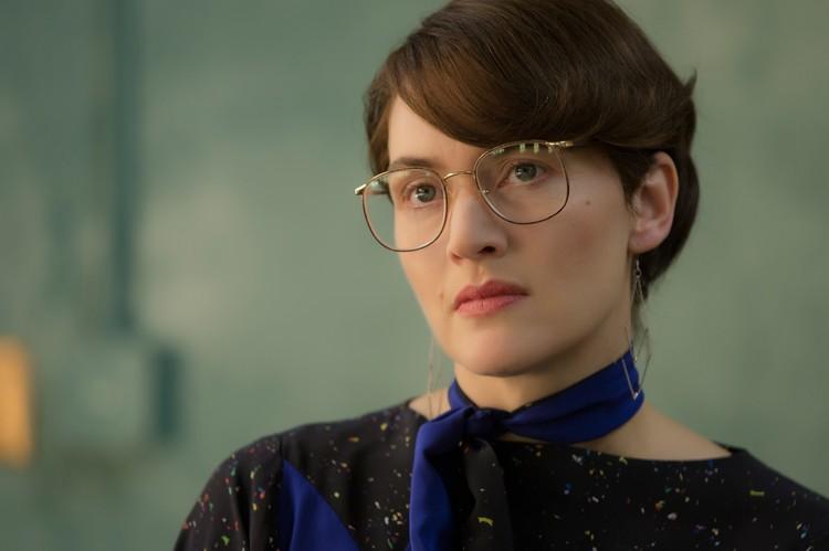 """В картине """"Стив Джобс"""" (2015 год) Кейт совершенно не узнать."""