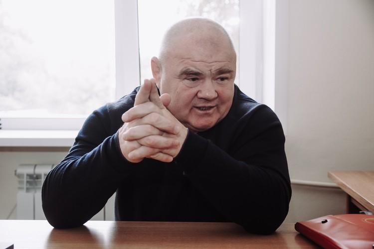 Алексей о своих делах рассказывает так, будто происходило все совсем недавно