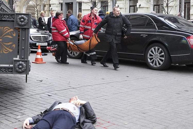 23 марта, Денис Вороненков шел на встречу с экс-депутатом Госдумы Ильей Пономаревым и был застрелен в центре Киева