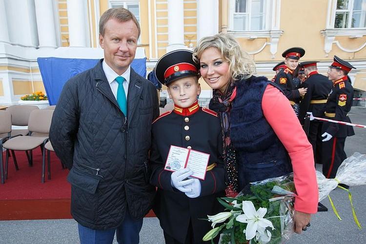 Сын Тюрина и Максаковой Илья в 2015 году поступил в Суворовское училище. Когда-то его закончил и Денис Вороненков