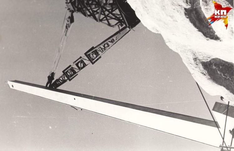 Подъем меча. 1965 г. Фото: Музей-заповедник «Сталинградская битва».