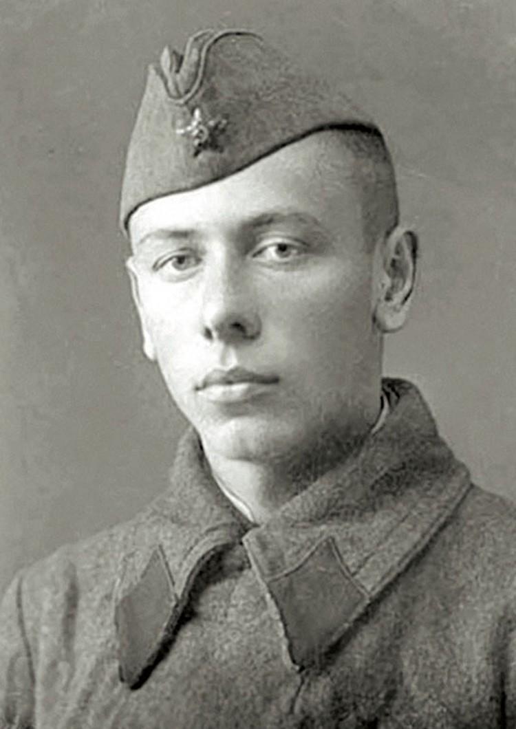 Папанов был зенитчиком на Юго-Западном фронте
