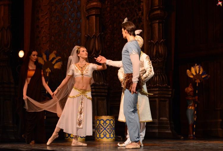 """Руководство театра не надеется, что """"Баядерка"""" с финансовой точки зрения быстро оправдает вложенные средства. Но театр справился с крайне амбициозной задачей, получив бесценный во всех смыслах балет"""