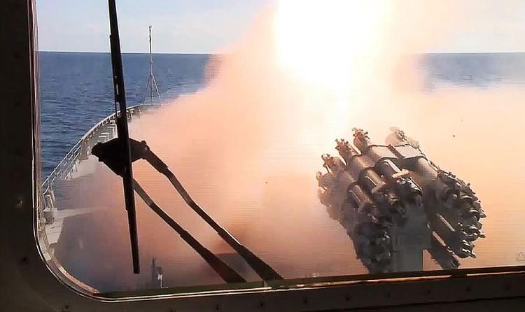 Бесценный боевой опыт получила и наша военно-морская группировка в Средиземном море. Фото: Минобороны РФ/ТАСС