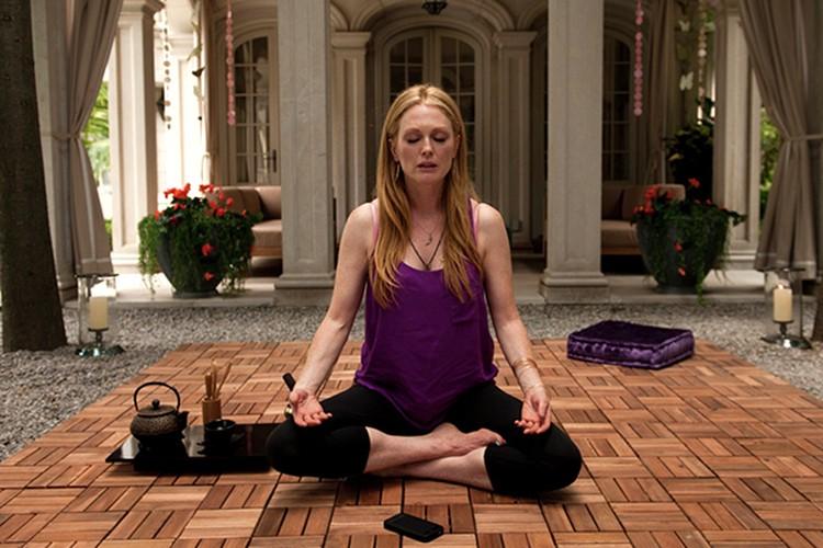 """Джулианна Мур знает, почему так важна медитация. Кадр из фильма """"Звездная карта"""""""
