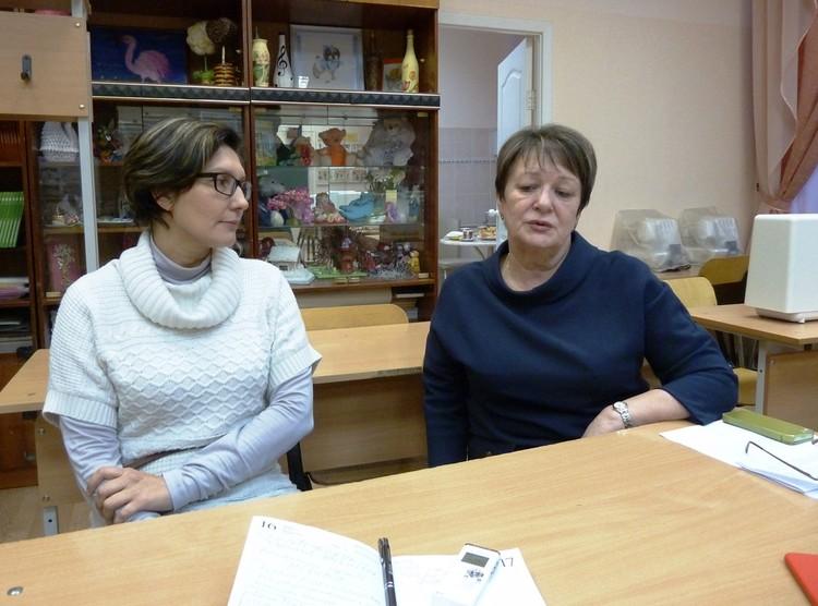 Директор школы № 127 Татьяна Цейтлина (справа) и учительница Светлана Холкина вспоминают тот трагический день