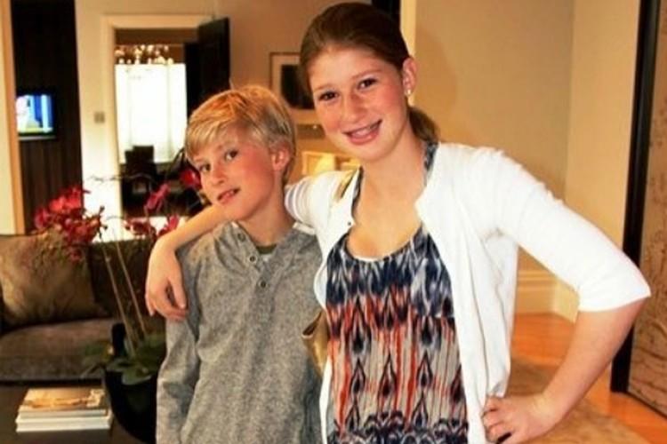 Дженни с братом.