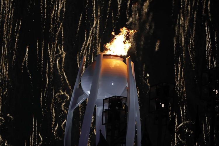 Олимпийский огонь будет гореть до церемонии закрытия Игр 25 февраля
