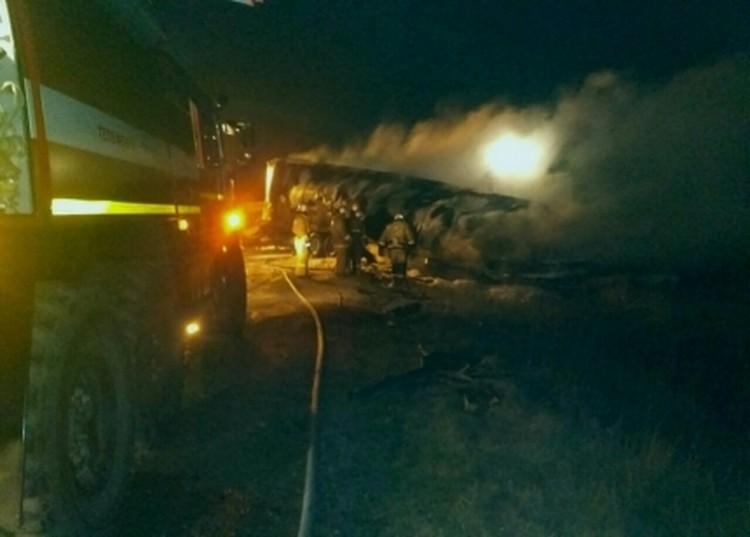 Крымские спасатели ликвидировали огонь на площади 30 м.кв. Фото: МЧС по РК