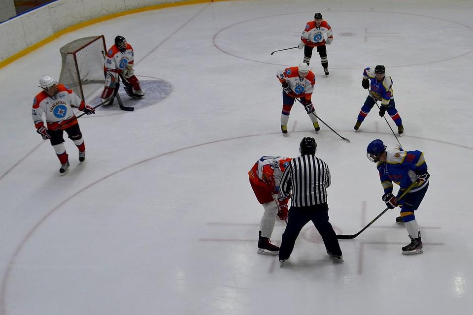 картинки хоккейный турнир чертям