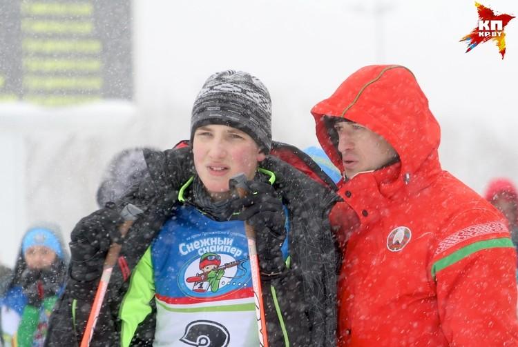 Перед стартом Николая Лукашенко консультировал тренер.