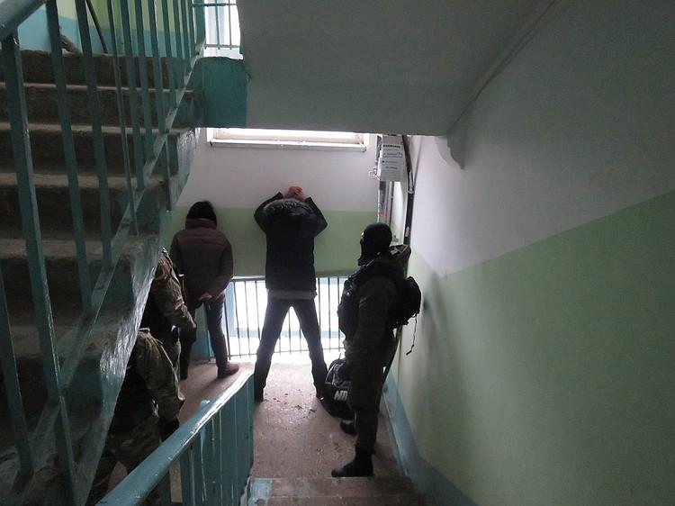 На кадрах с задержания подозреваемых в похищении сына банкирши из Кинеля оказались люди, замешанные в других преступлениях