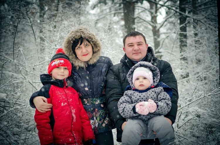 Мама Олеся, папа Евгений и дочка Ксения погибли в «Зимней вишне». Выжил только 11-летний Сережа