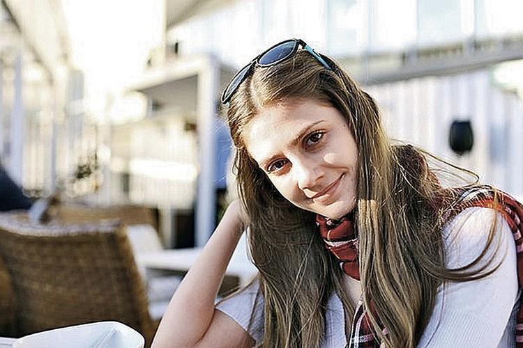 После дачи показаний Дария Переверзева уехала в Таиланд.