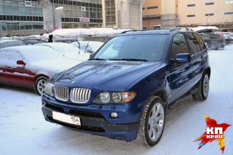 Автомобиль BMW Х5, купленный Голубеву Мариной. Кредит, взятый на эту дорогую иномарку, женщина выплачивает до сих пор