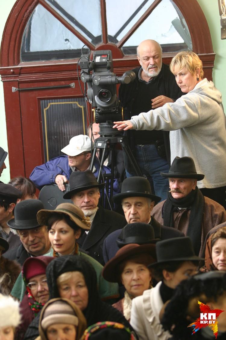 Татьяна Логинова точно знает, как управлять съемочной группой для идеального кадра. Фото: Алла ТКАЧЕНКО (из личного архива Татьяны Логиновой)