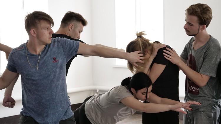 Актёры научили чувствовать своё тело по-другому. ФОТО: архив Романа Пожидаева