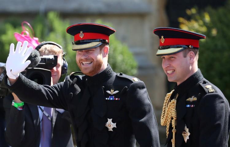 Принц Уильям приехал на церемонию вместе с братом и поддерживал его накануне свадьбы
