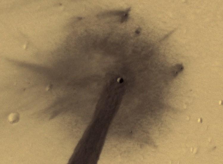 Диаметр кратера, вызвавшего протечку, составил всего 5 метров.