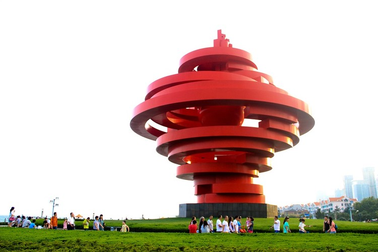 """Юла"" - символ города Циндао. Фото: pixabay.com."
