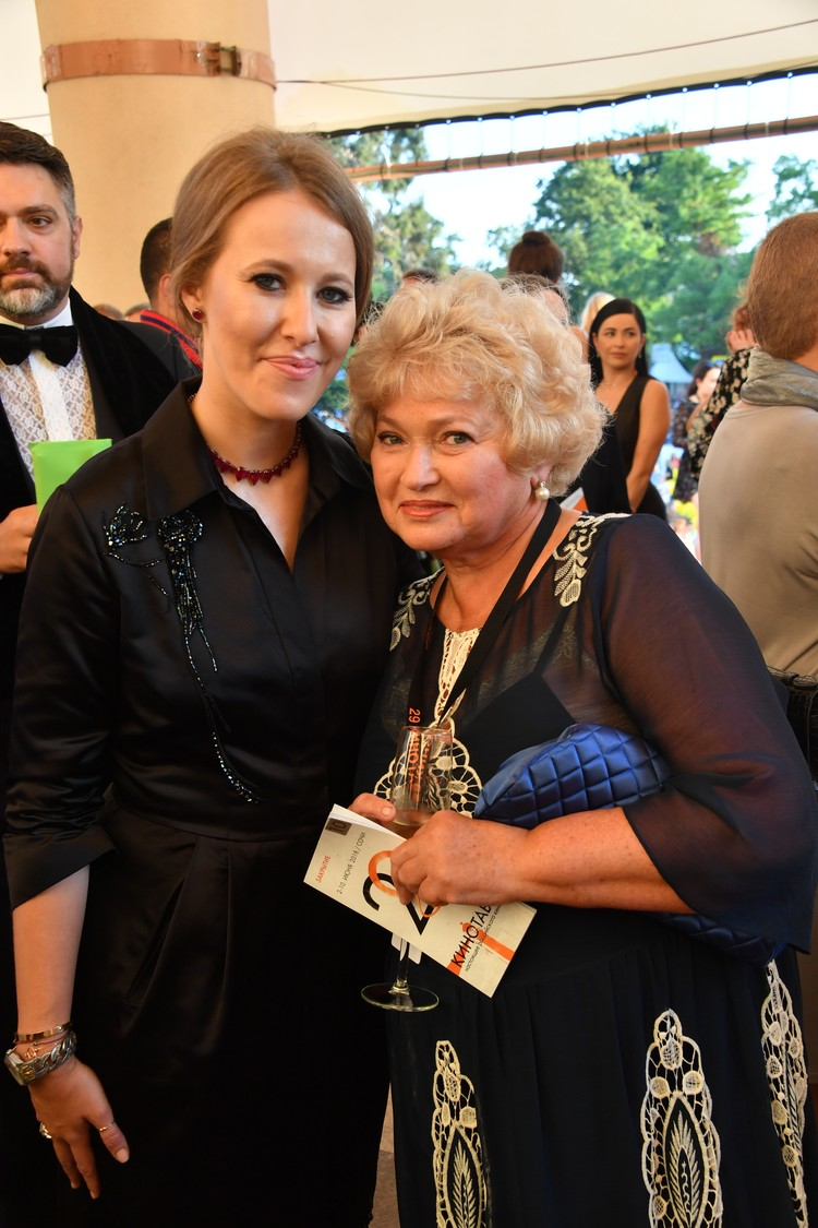 Людмила Нарусова с нетерпением ждет, когда Ксения подарит ей второго внука или внучку.