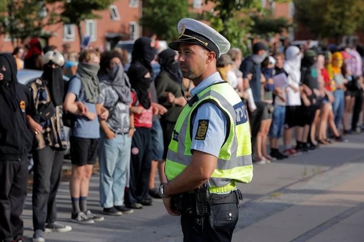 К протесту мусульман присоединились и другие граждане Дании