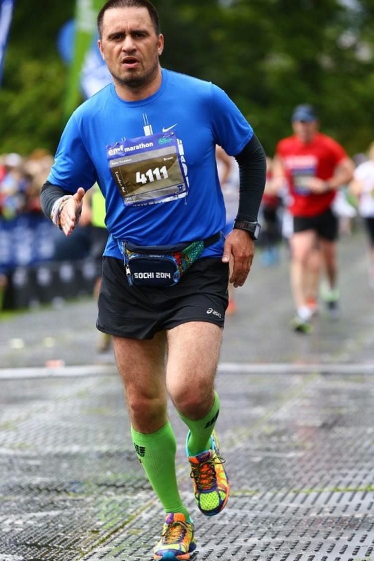 Руслан в последнее время стал увлекаться кроссами и марафонами